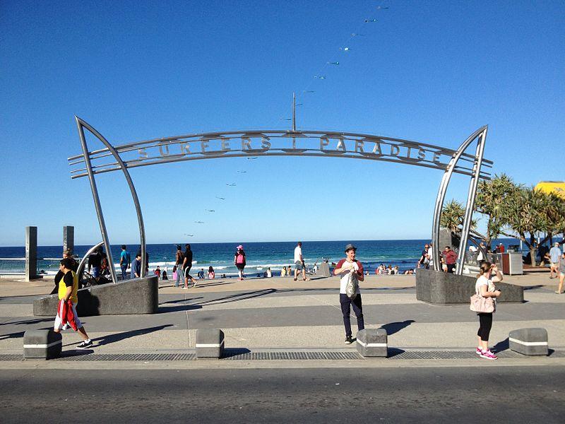 800px-Surfers_Paradise_Arch,_Queensland_05