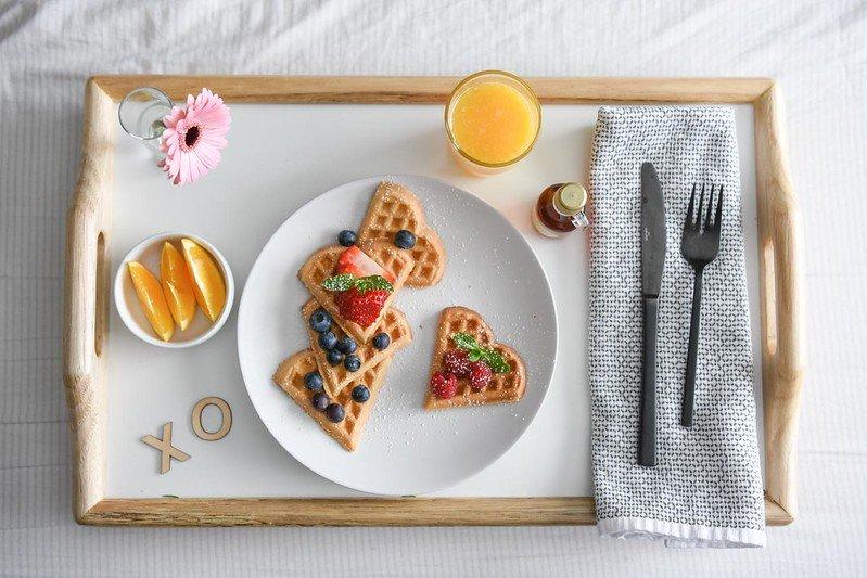 breakfast in bed by shari's berries