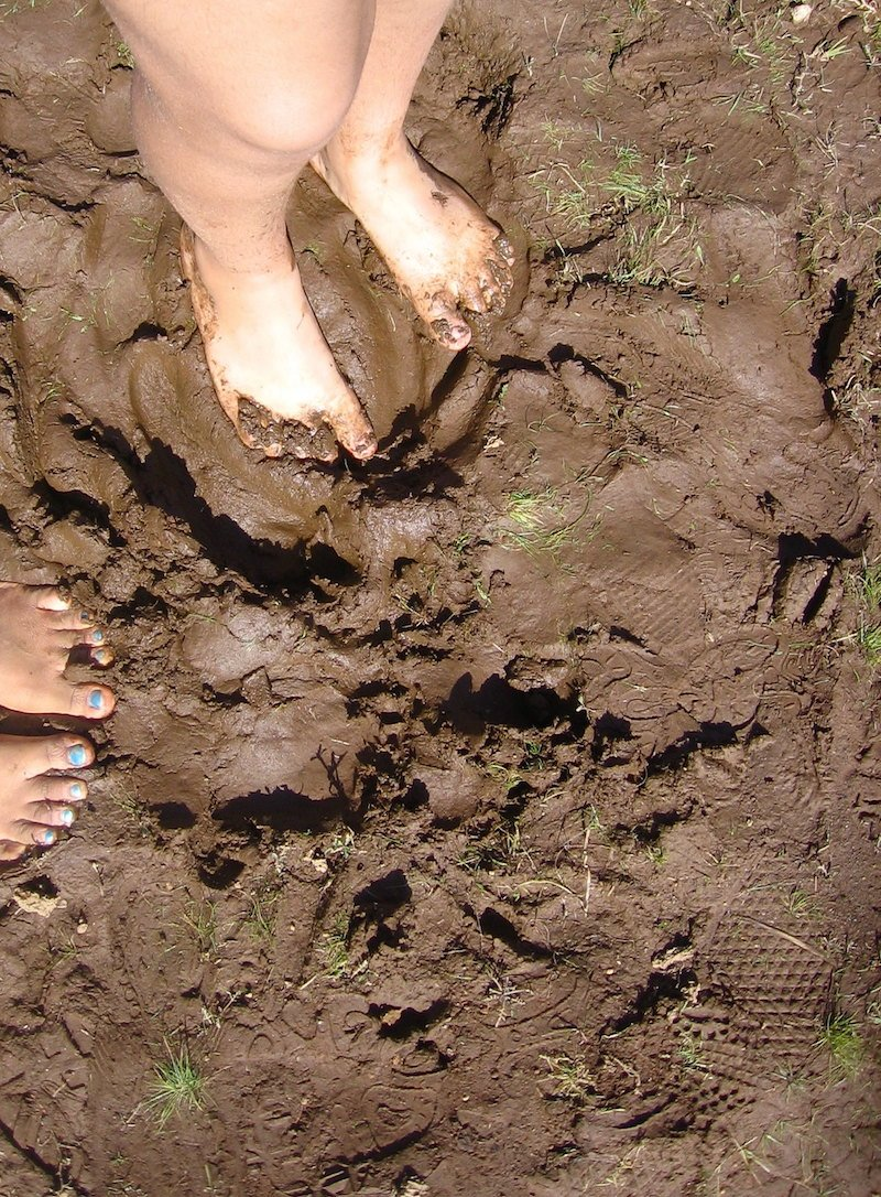 mud play by bandita
