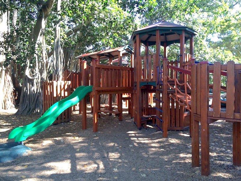 new farm park fort for kids 800