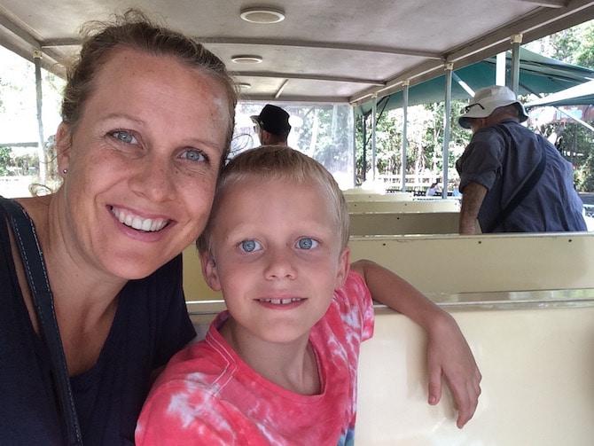 australia zoo shuttle pic