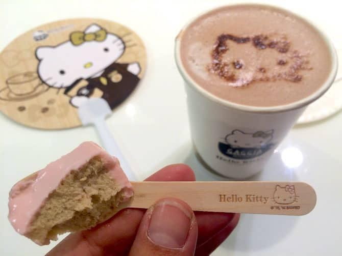 hello kitty cafe hong kong hot chocolate