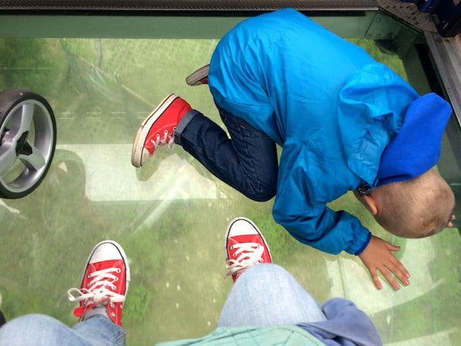 ngong ping 360 car ned on floor