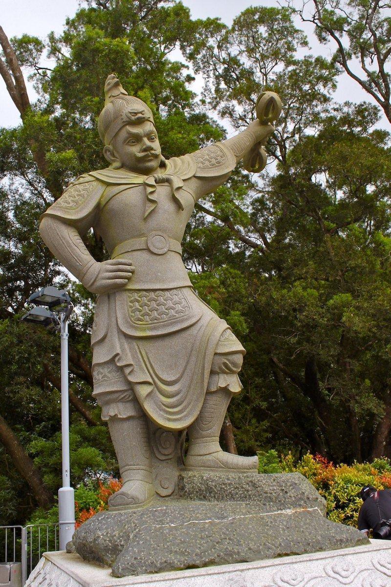 tian tan buddha at ngong ping by travis