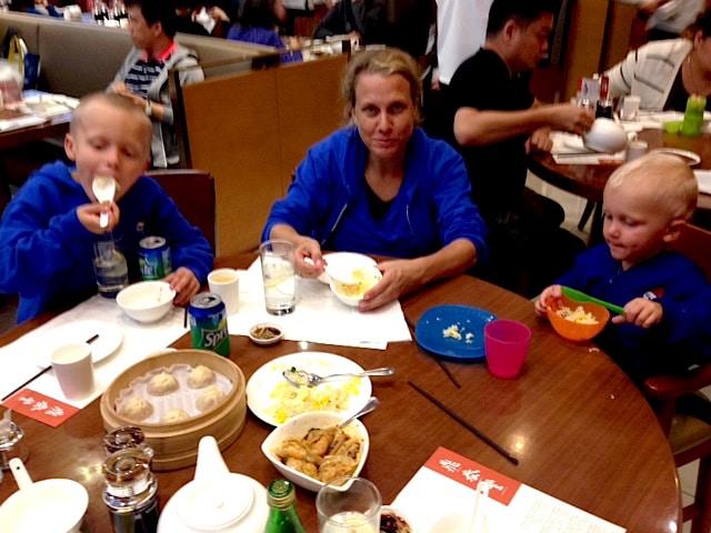foods to try in hong kong dumplings