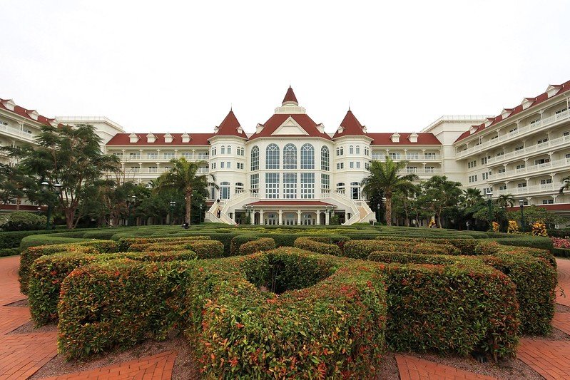 best things to do in hong kong - stay HK disneyland hotel by dennis wong