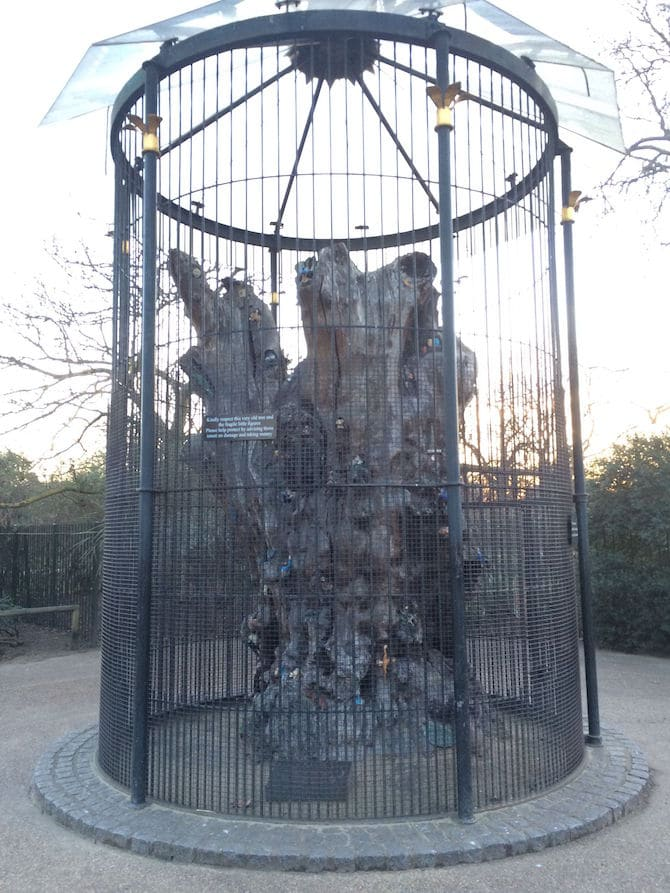 Visit ROAM THE GNOME Family Travel Website Directory for SUPER DOOPER FUN ideas for family vacations around the world. Search by city. Photo- Pirate Park Playground at Princess Diana Memorial playground Hyde Parkelfin oak