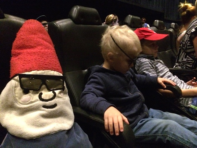 toddlers at movieworld 4d show seats pic