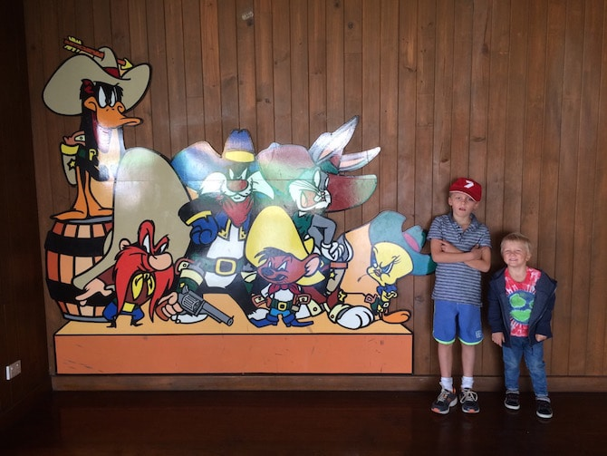 toddlers at movieworld looney tunes pic
