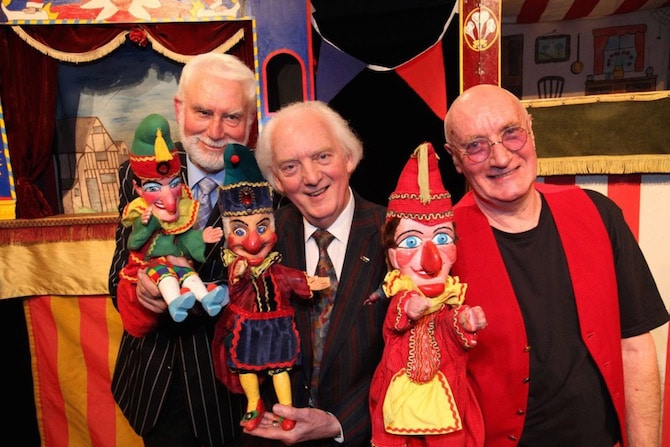 Punch and Judy Festival Covent Garden - world record. Visit www.roamthegnome.com. Our Family Travel Directory for MORE SUPER DOOPER FUN ideas for family-friendly weekend adventures and travel with kids, all over the world. Search by city. Rated by kids and our travelling Gnome.