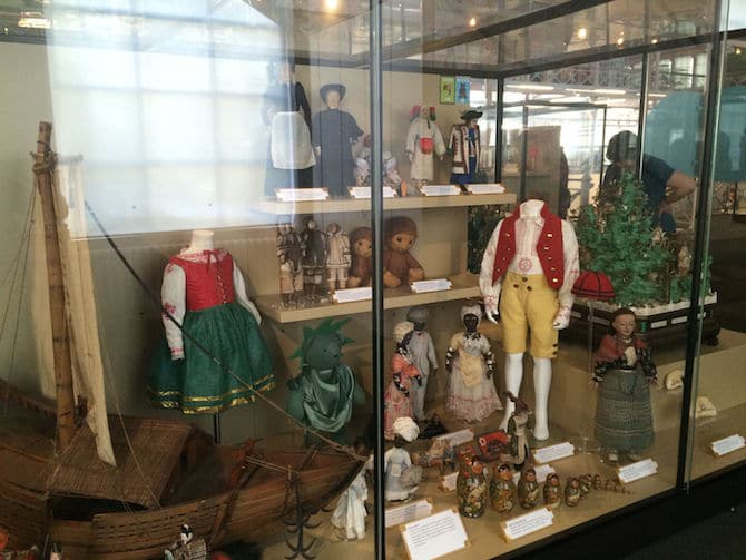 museum of childhood review london costumes