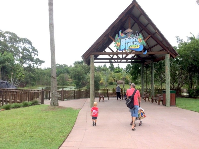 bindis island entrance at australia zoo