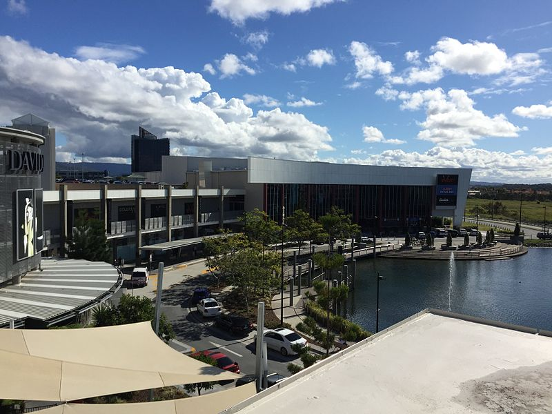 800px-Robina_Town_Centre_01 by kgbo