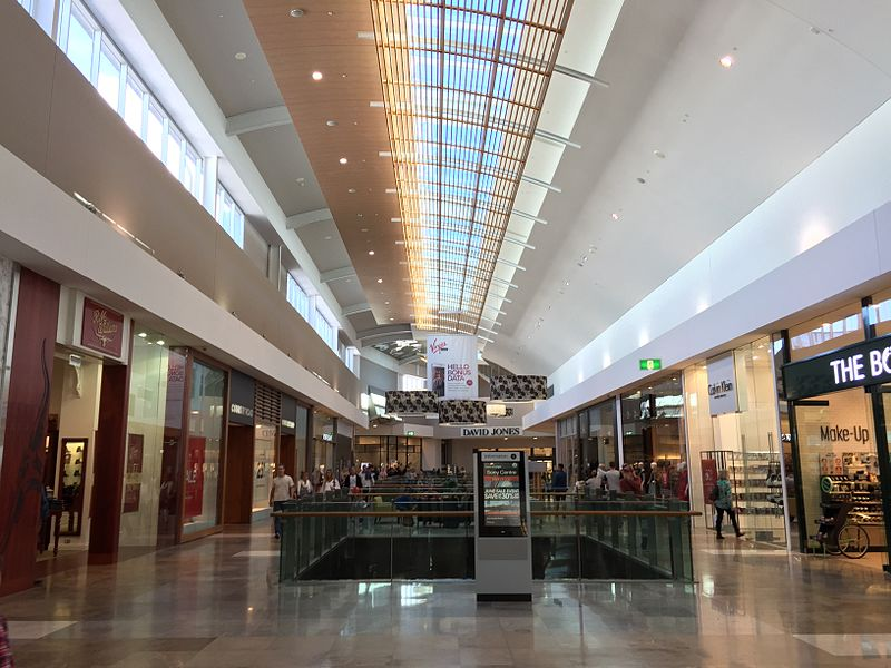 800px-Robina_Town_Centre_05 by kgbo