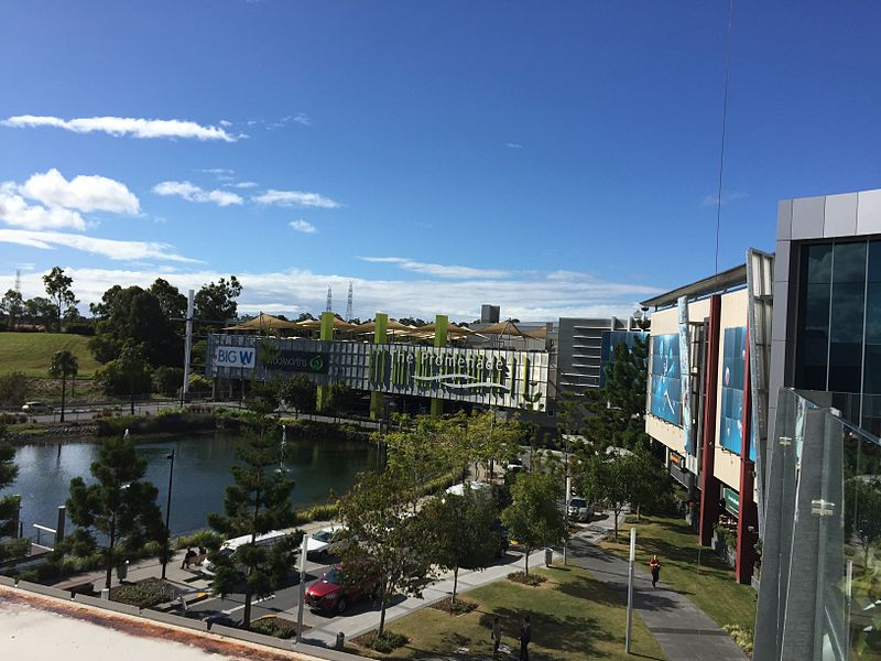 800px-Robina_Town_Centre_07 by kgbo