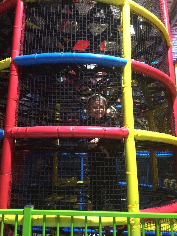 Kidz-N-Play-Robina-indoor-Play-Centre-cylinder-nets