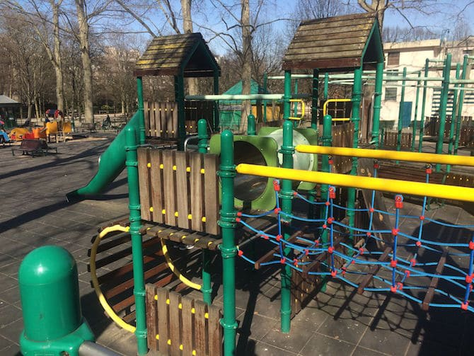 Jardin du Luxembourg Playground climbing frame pic.
