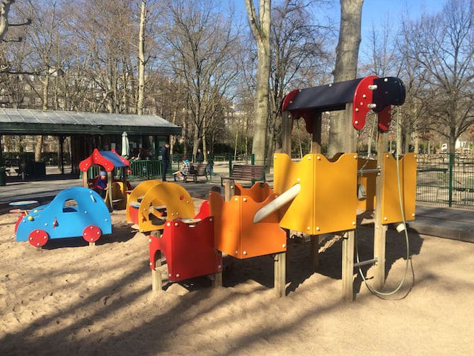 Kids Paris. Jardin du Luxembourg Playground play area. For more SUPER DOOPER FUN ideas for family-friendly weekend adventures and travel with kids, all over the world, visit our FAMILY TRAVEL DIRECTORY www.roamthegnome.com. Search by city. Rated by kids and our travelling Gnome.