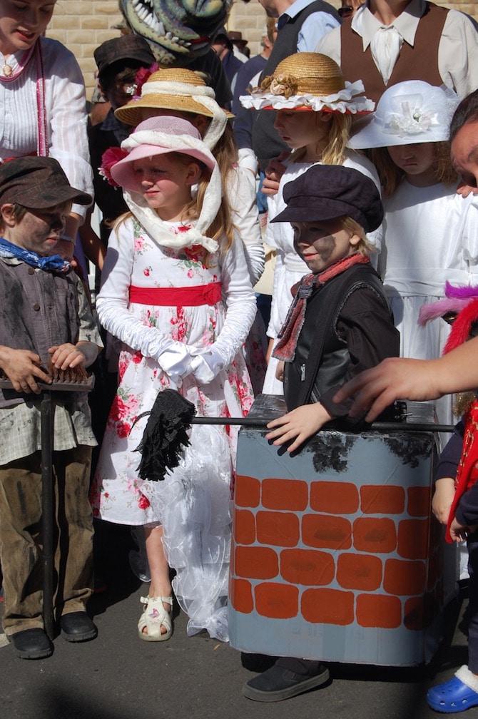 Mary Poppins Festival - Grand parade kids