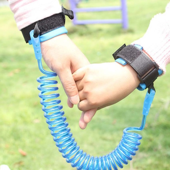 The BEST Toddler Wrist Strap Ideas to Stop Kids Getting Lost- lost child strap. Roam the Gnome Family Travel Directory.