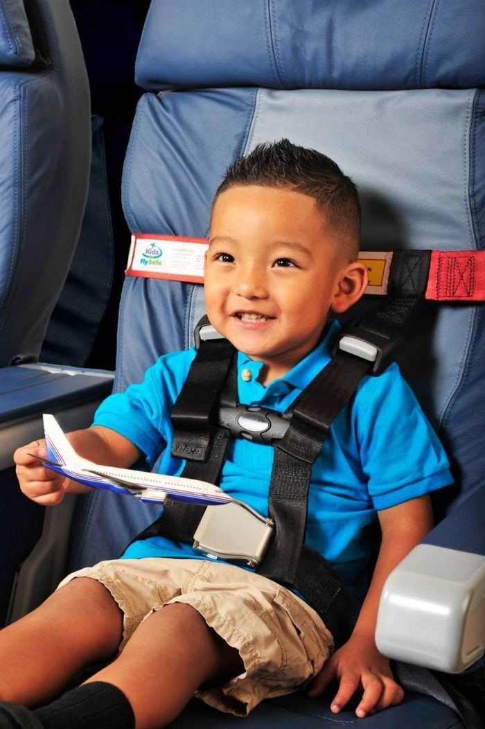 singapore airlines travelling with infant