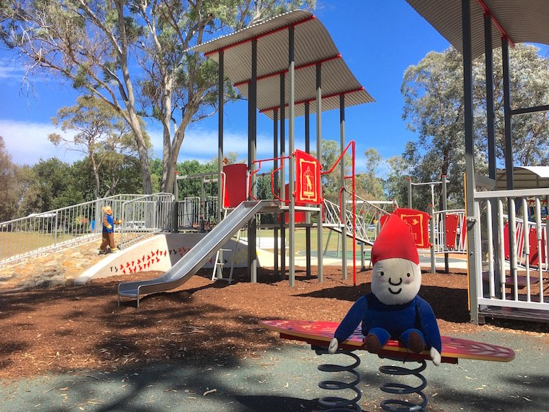 kambah adventure playground canberra fort for kids pic