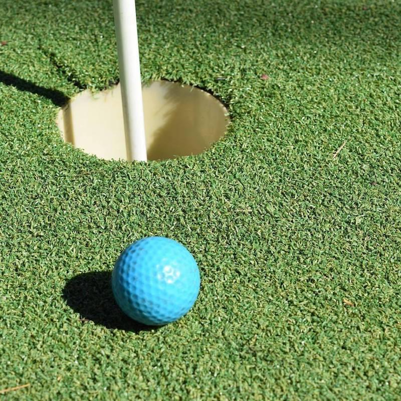 weston park mini golf by yarralumla play station