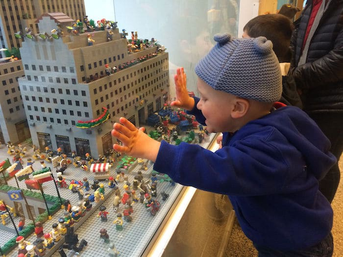 Visit ROAM THE GNOME Family Travel Website Directory for SUPER DOOPER FUN ideas for family vacations around the world. Search by city. Photo - Lego Brick Store New York Rockefeller Center miniland