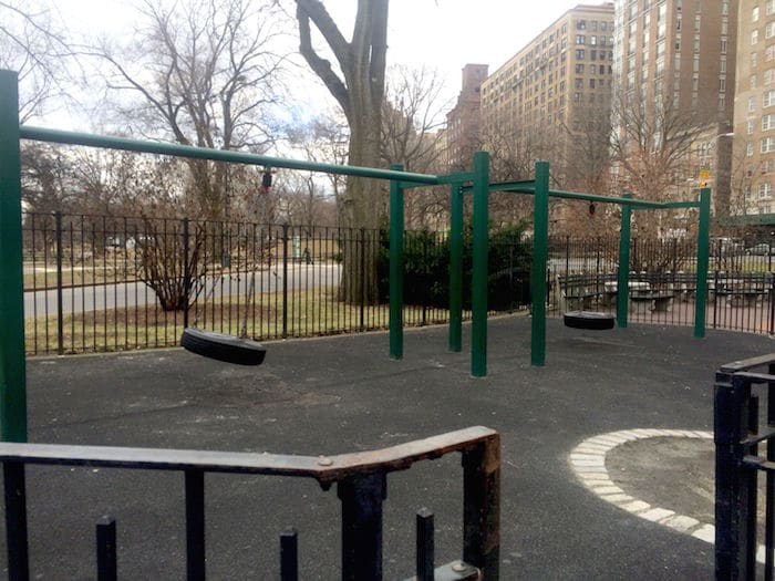Visit ROAM THE GNOME Family Travel Website Directory for SUPER DOOPER FUN ideas for family vacations around the world. Search by city. Photo - The Rudin Family Playground Central Park swings