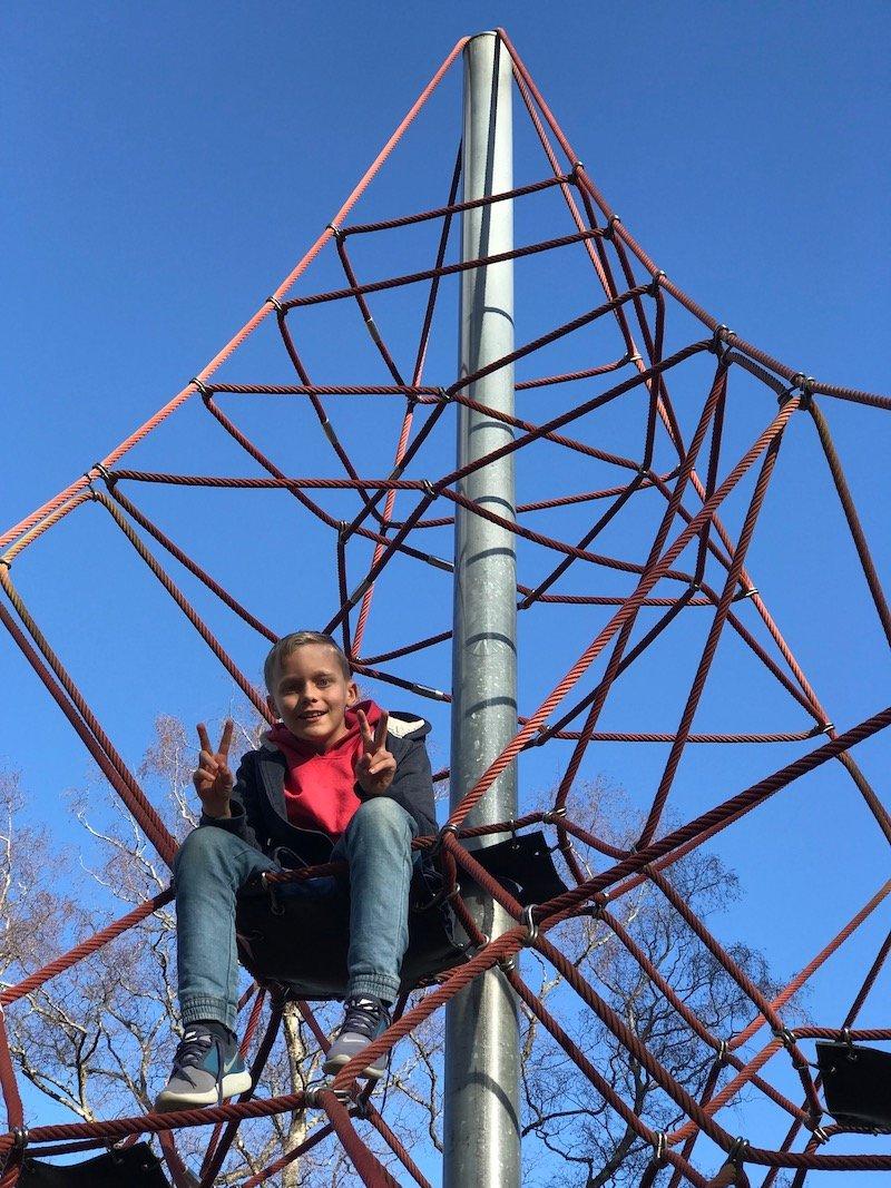 photo - taupo playground pyramid close up