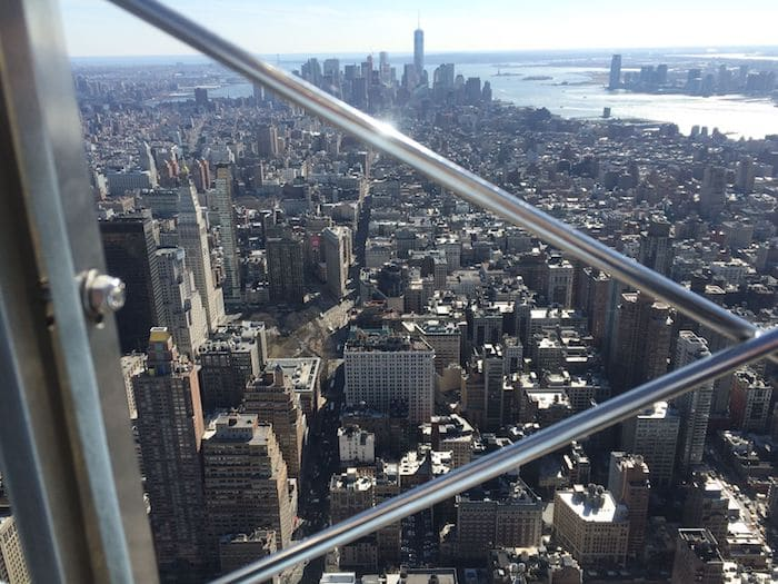 Empire State Building NYC for Kids. ROAM THE GNOME Family Travel Website. Hundreds of fun ideas and activities to help you plan and book your next family vacation or weekend adventure.