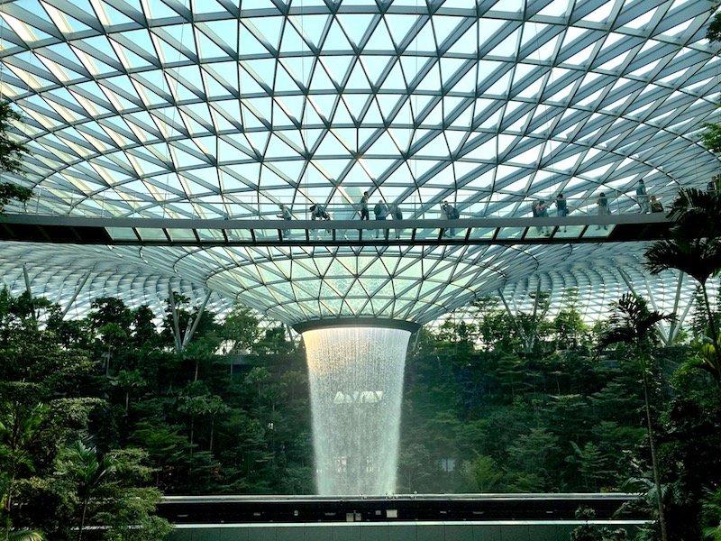 canopy bridge at changi airport pic 800