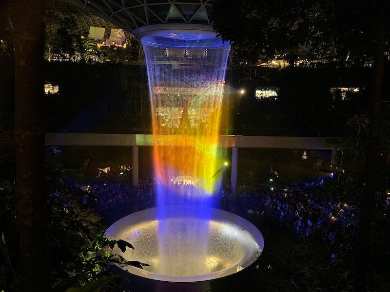 jewel waterfall show of light and sound pic 800