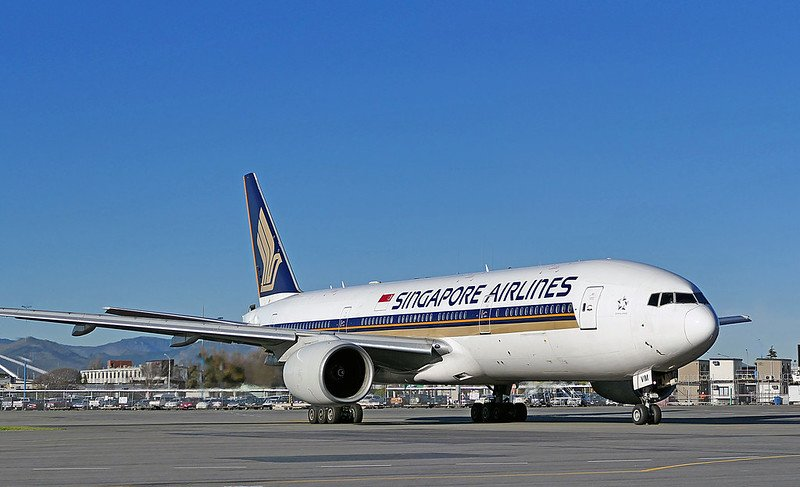 singapore airlines plane by bernard spragg
