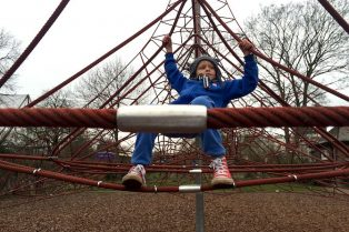 Primrose Hill Playground in Regents Park. Visit ROAM THE GNOME FAMILY TRAVEL WEBSITE. Hundreds of fun ideas & activities to help you plan & book your next family vacation or weekend adventure. ned