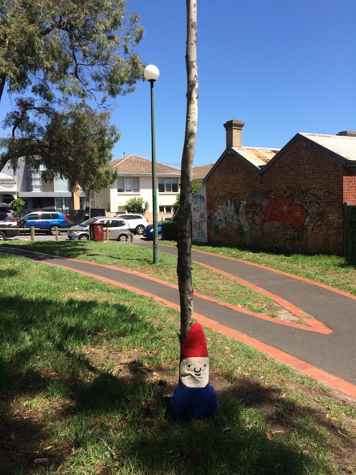 how to get to st kilda playground in melbourne sign pic