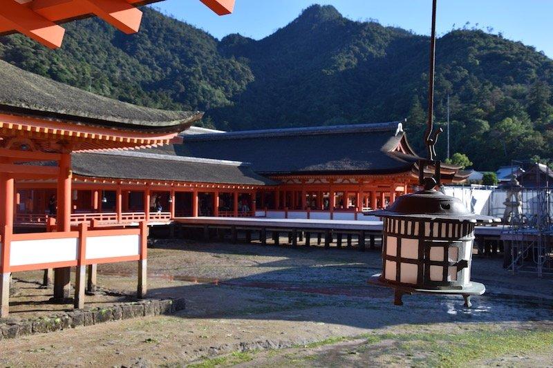 itsukushima shrine on miyajima island japan pic