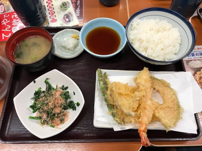 eating bento at restaurants pic