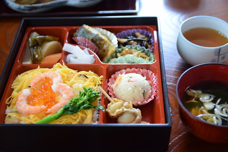 hanami bento by raita futo flickr