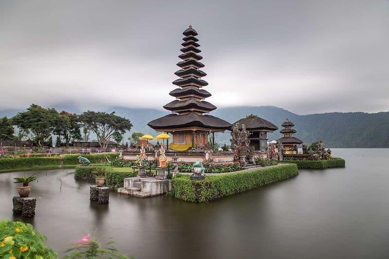 lake bratan - bali travel blog
