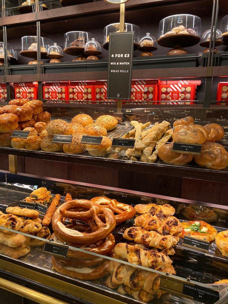harrods bread rolls pic