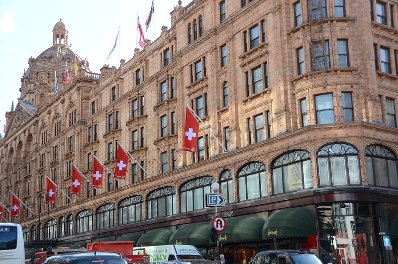 harrods department store london flags pic