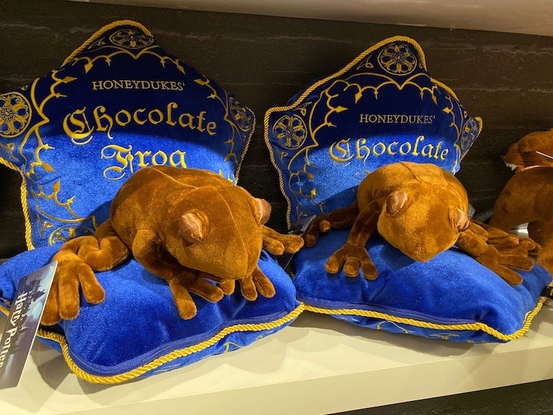 harry potter chocolate frog pillows 800
