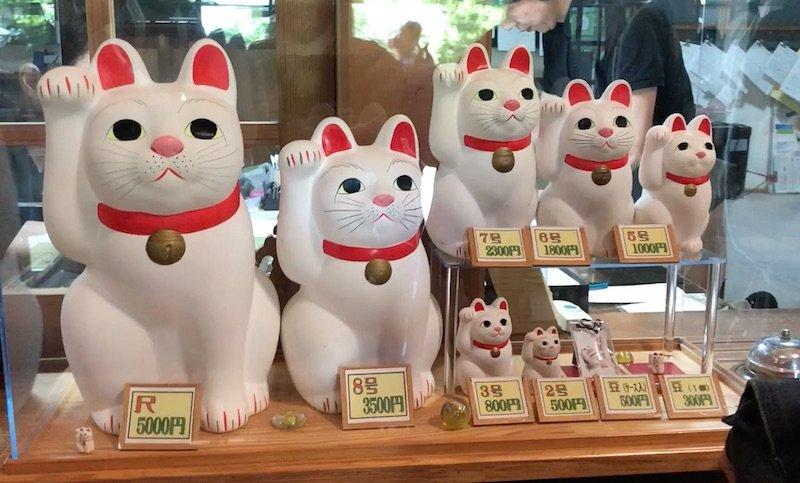 image - gotokuji cat temple shop