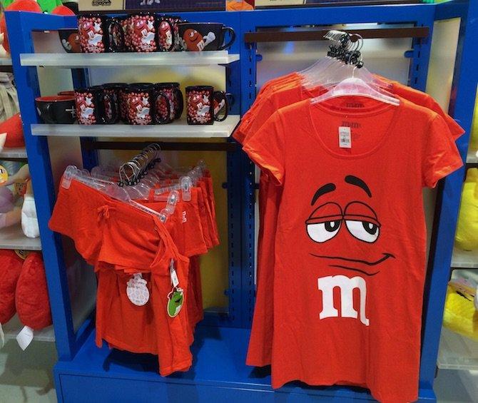 image - m&m world london red tshirts