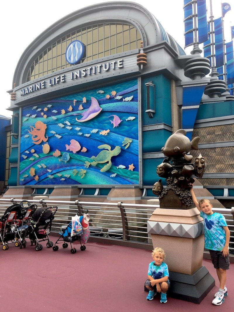 nemo and friends sea rider at disneysea pic 800