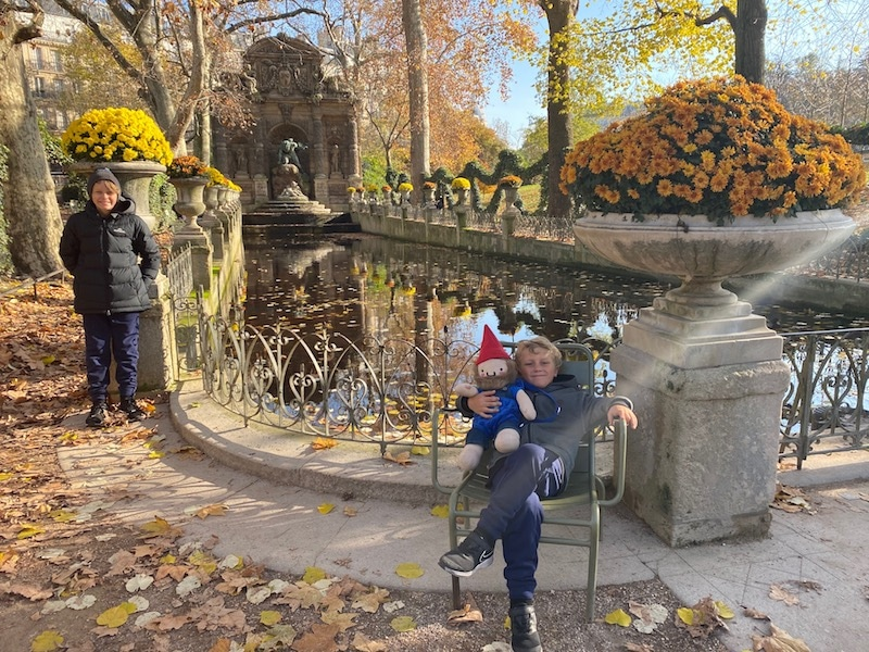 fountain des medicis luxembourg gardens