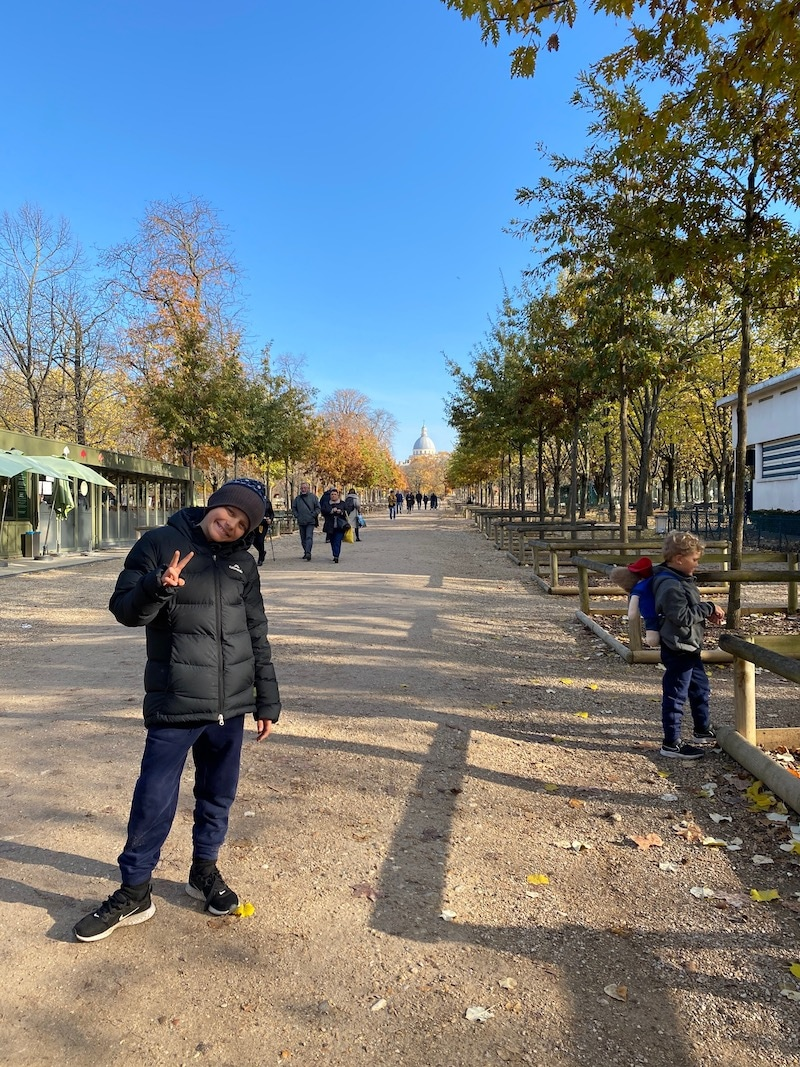 how to get to jardin du luxembourg playground - pathway pic