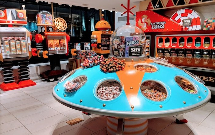 image - fao schwarz candy shop by g aquino