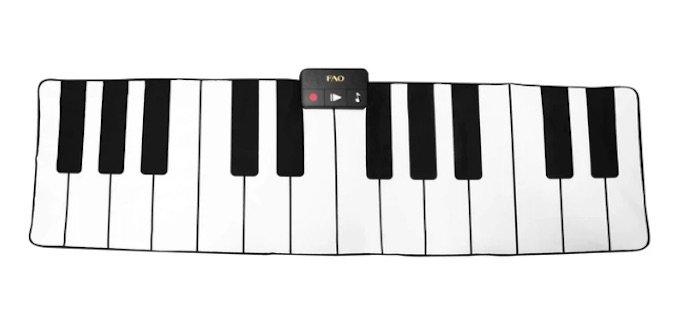 image - fao schwarz keyboard
